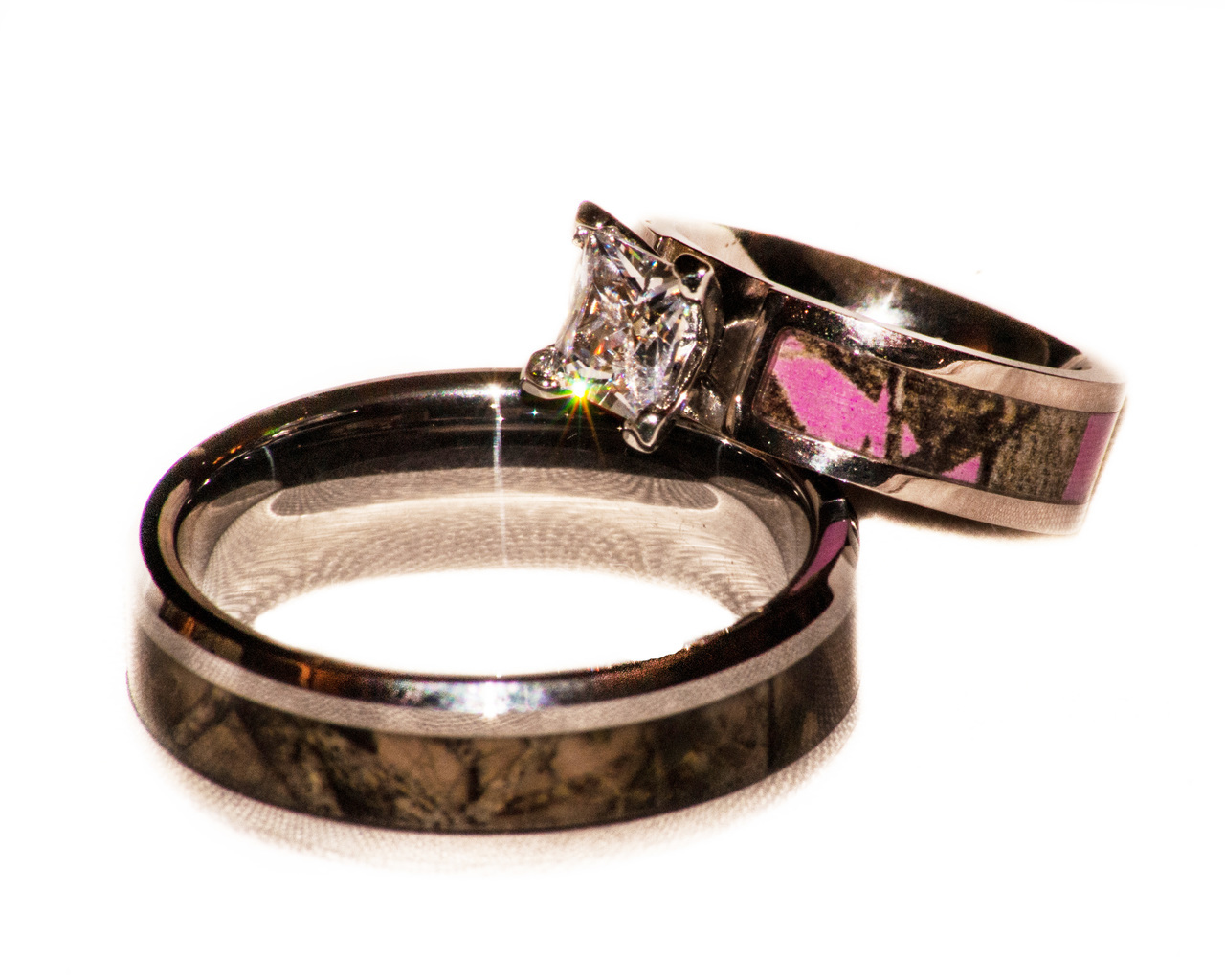 Camo Wedding Set With Pink Stone Ring And Band